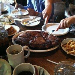 Taste the Town @ Doe's Eat Place