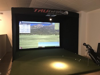Indoor Golf Simulator at Rolling Fields Golf Course!